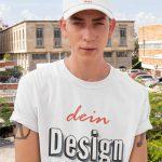 Mann mit bedruckbarem T-Shirt T-Shirt und Cap - Druck für Männer TeeFarm Schweiz