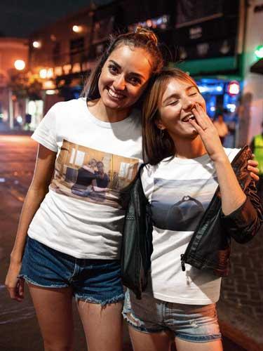 Beste Freundin mit T-Shirt als Fotogeschenk
